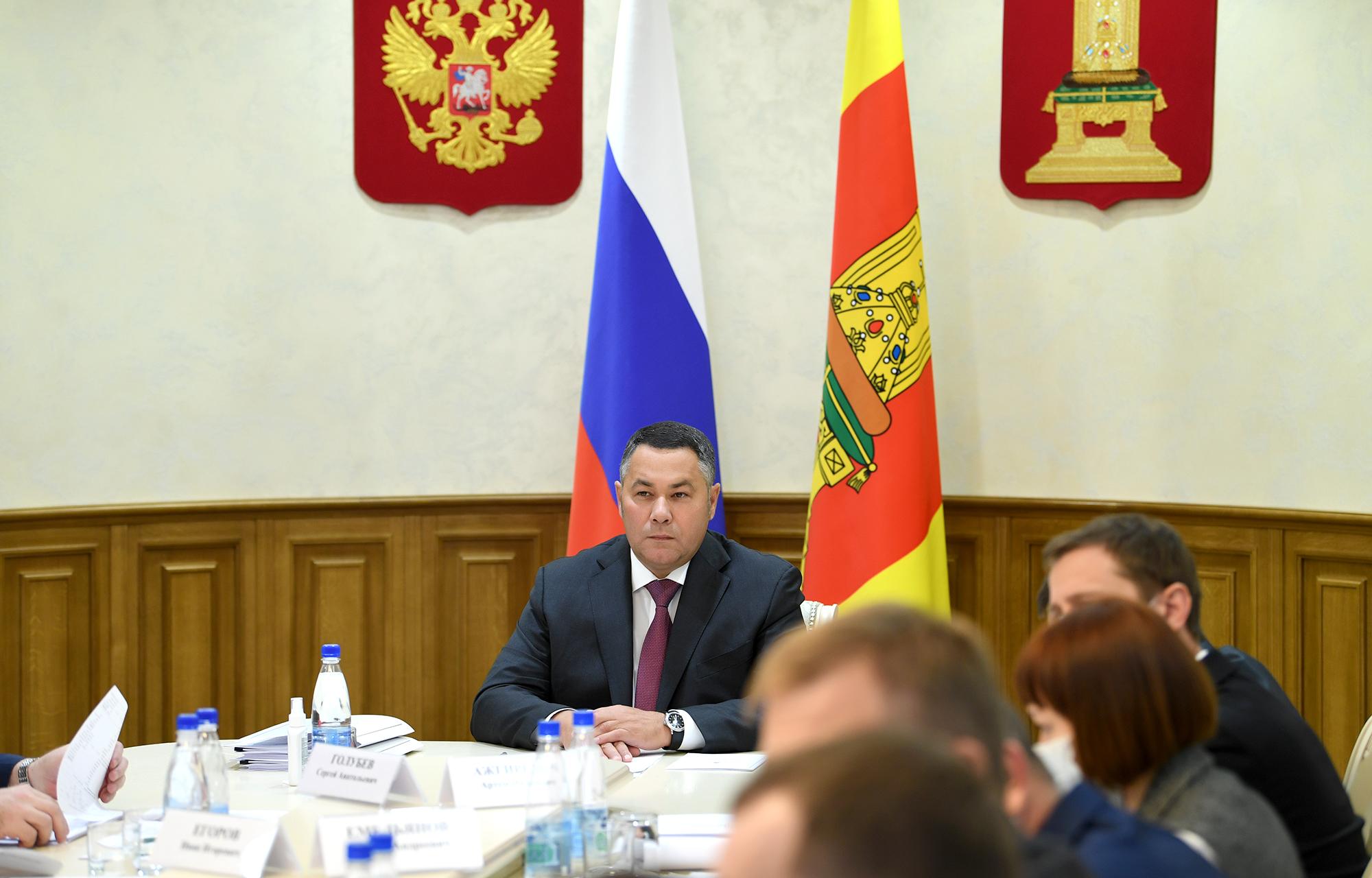 Медикам и водителям скорой помощи Тверской области выплатят стимулирующие надбавки