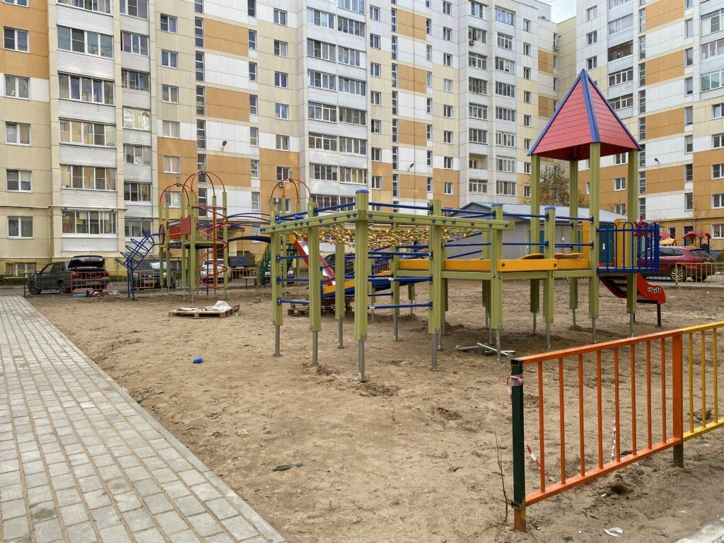 В Заволжском районе Твери появились новые детские площадки