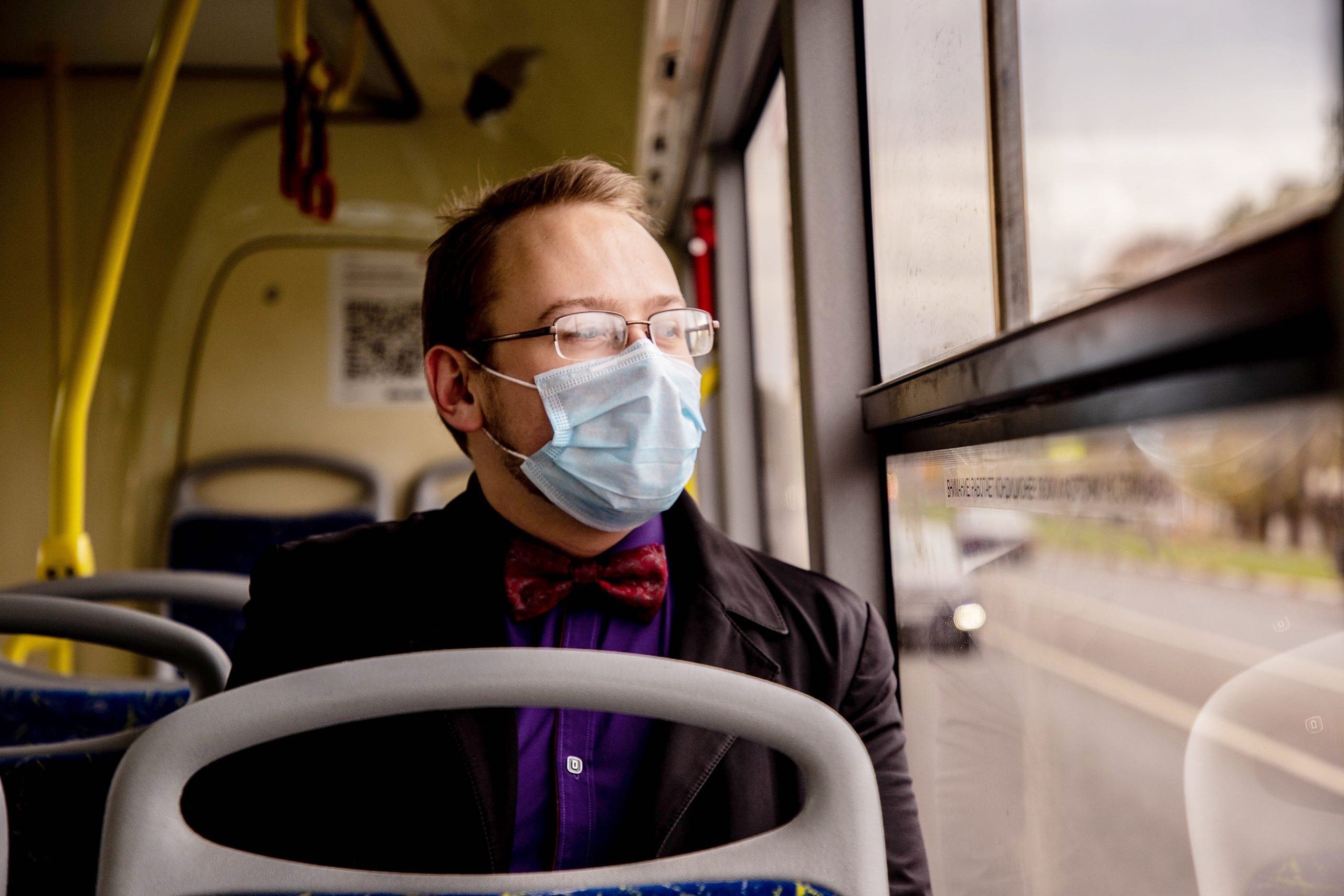 Жители и гости Тверской области с 12 октября обязаны носить защитные маски