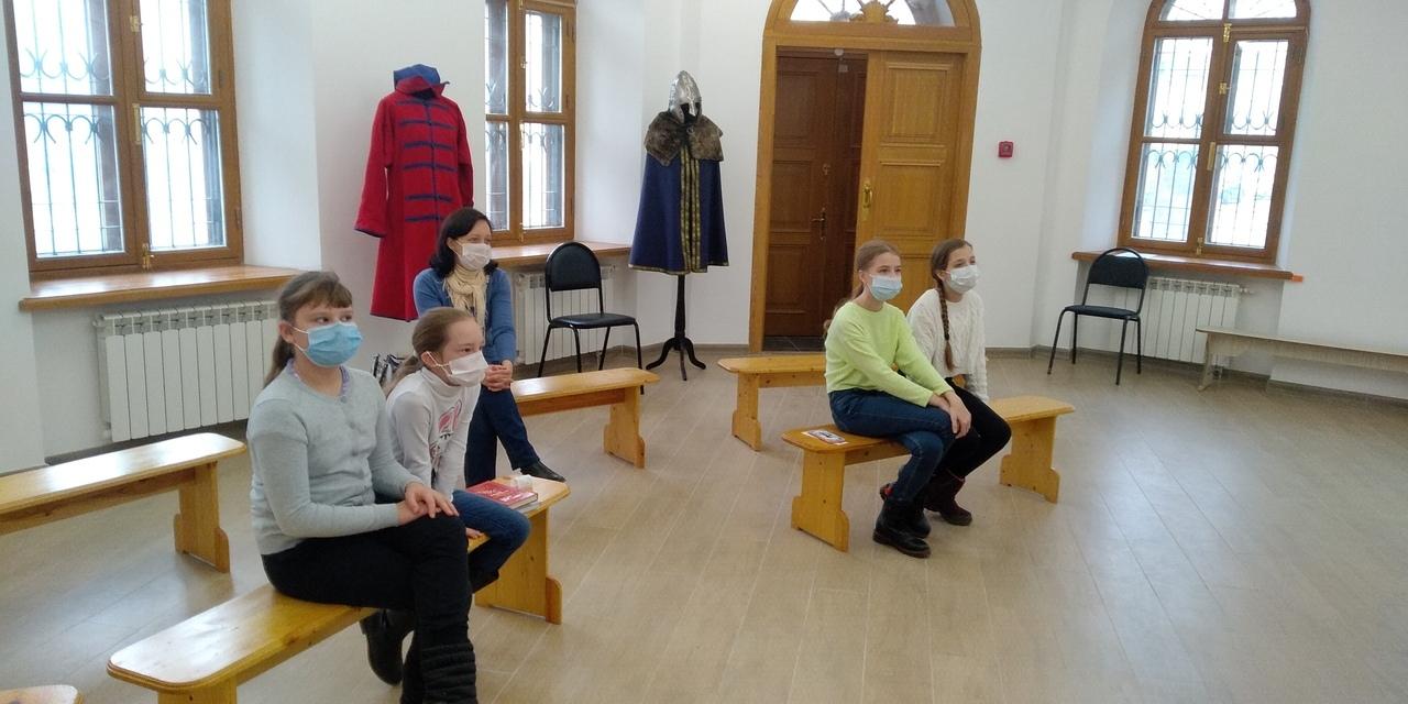 В Тверском краеведческом музее детям рассказали о древних оберегах и приметах
