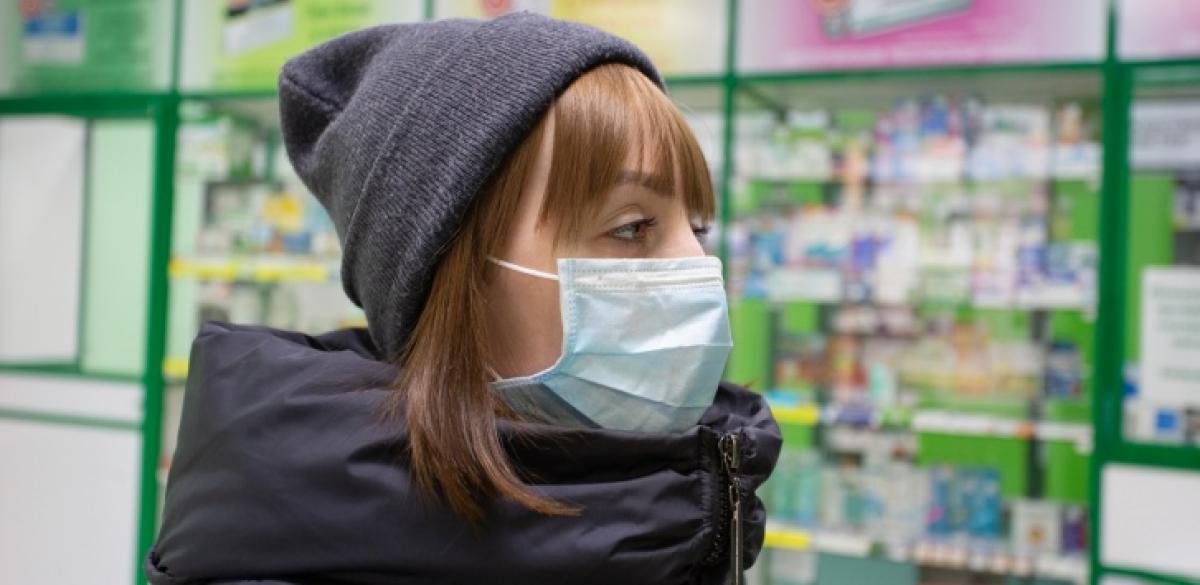 В Тверской области проходят рейды по аптекам и магазинам для контроля наличия масок и цен на них