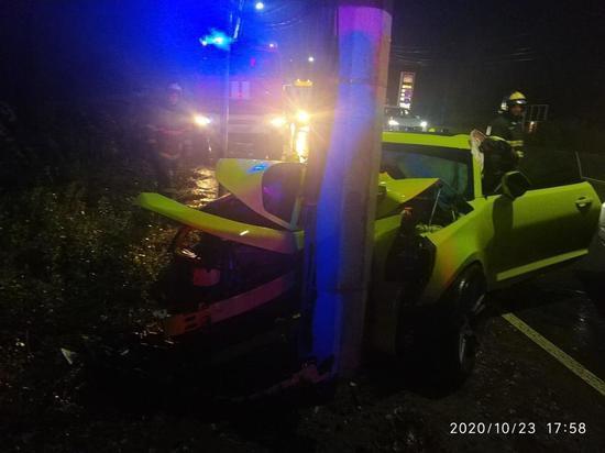 На Московском шоссе в Твери разбили дорогой спорткар
