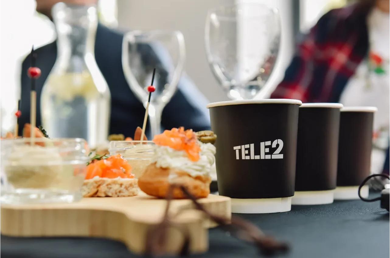 Как заказать еду с доставкой выгодно: бонусы для абонентов Tele2