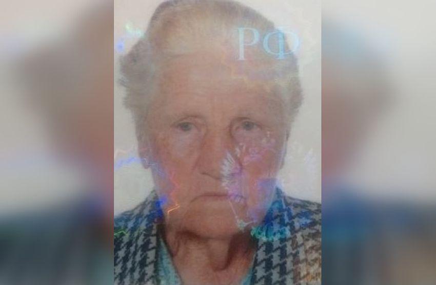Под Тверью пропала 86-летняя женщина в зеленых сапогах