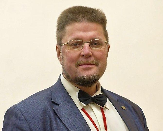 Профессор Андрей Зиновьев: борьба только обостряется