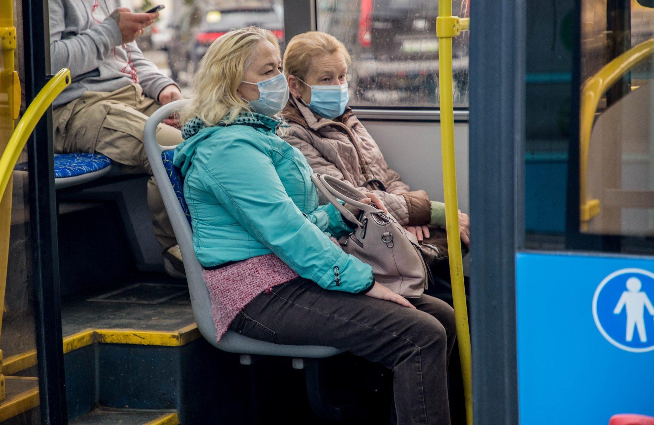 В общественном транспорте Твери пассажирам раздали порядка 15 тысяч бесплатных защитных масок