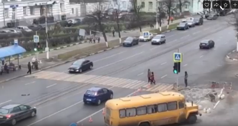 В Пролетарском районе Твери заработал новый светофор