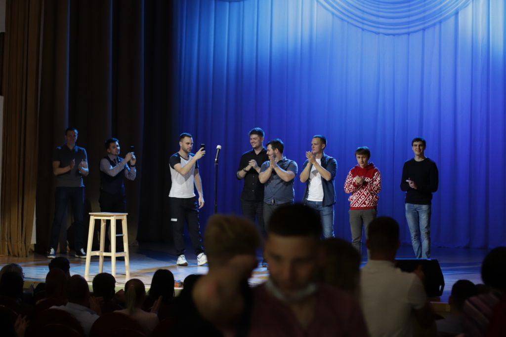 Девушка отважилась на Stand Up в Твери: как пошутить со сцены, если в интернете уже надоело