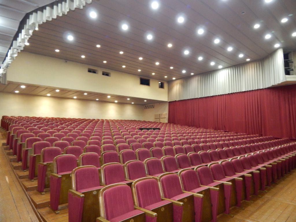 В Торопецком Доме культуры отремонтировали большой зрительный зал