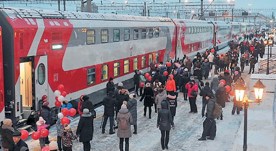 Двухэтажный «Новогодний экспресс» проедет по Тверской области