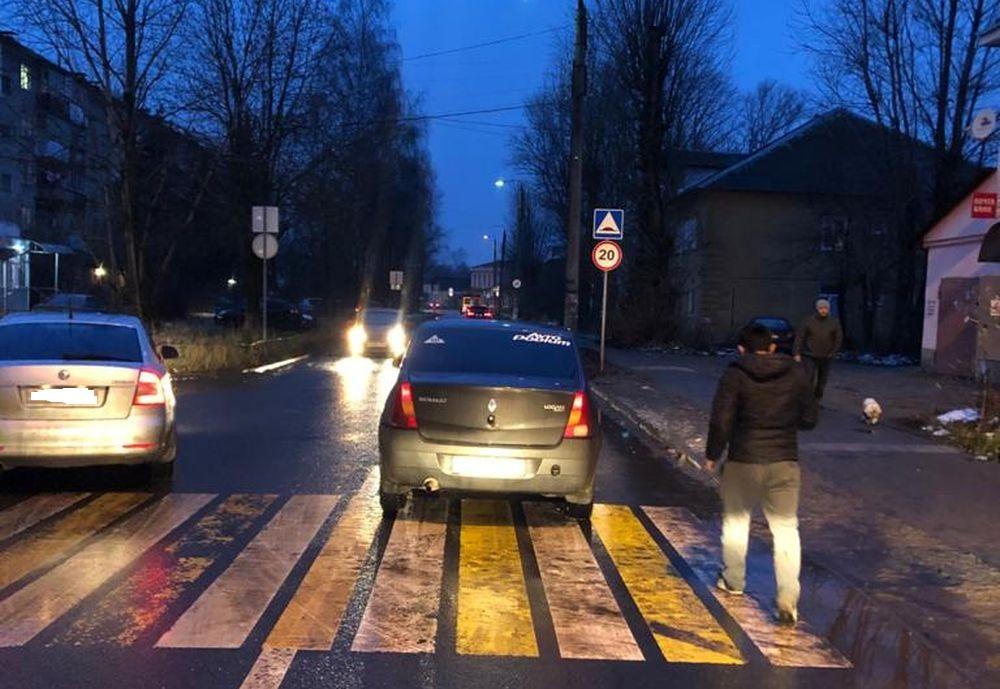 В Твери иномарка сбила 5-летнюю девочку на пешеходном переходе