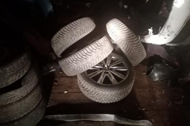 В Твери задержали похитителей дорогих автомобильных шин
