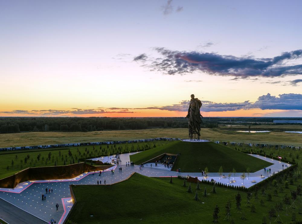 Посетители Ржевского мемориала услышат легендарную песню «Журавли» в новой аранжировке