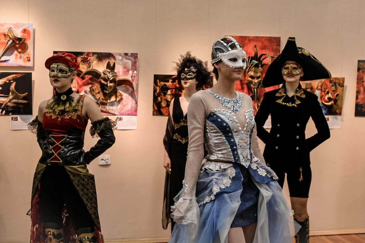 Дефиле в карнавальных костюмах ждет гостей арт-вечера «Ciao, Venezia!» в Твери