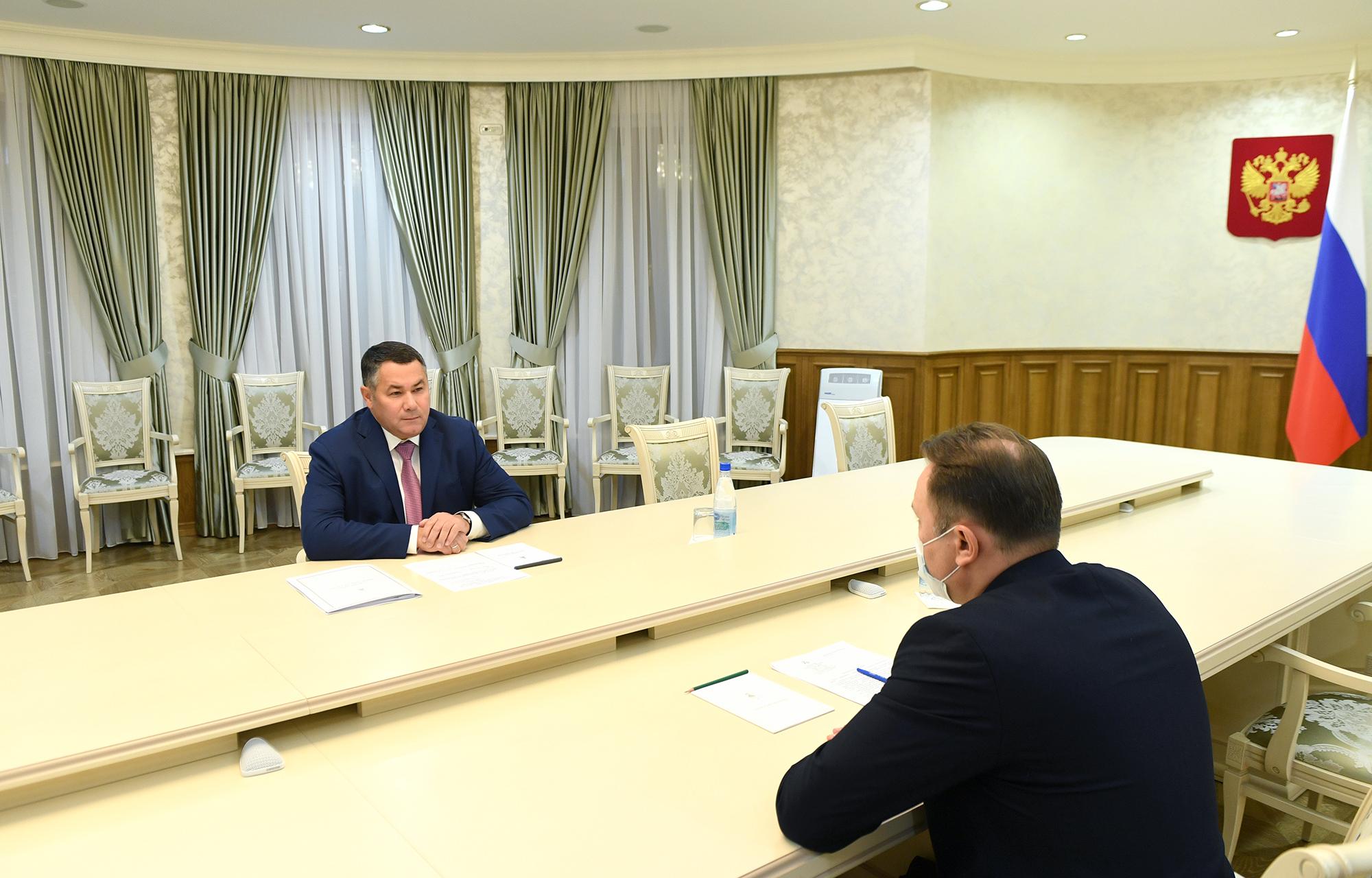Губернатор и глава Бологовского района обсудили на встрече итоги дорожных работ и социально-экономическое развитие района