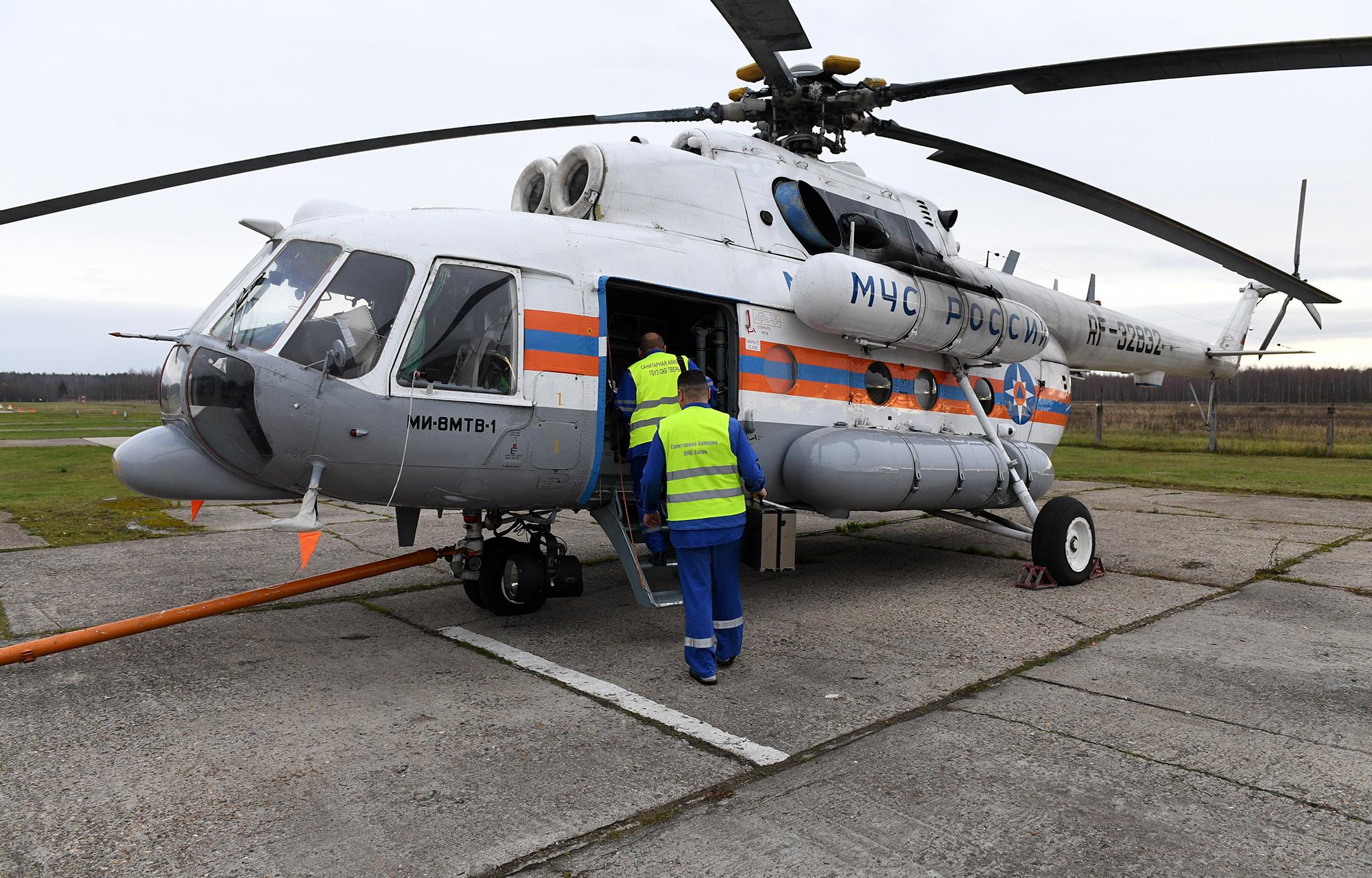 В Тверской области вертолет санитарной авиации доставил в ОКБ  пациентов из Бежецка и Кашина