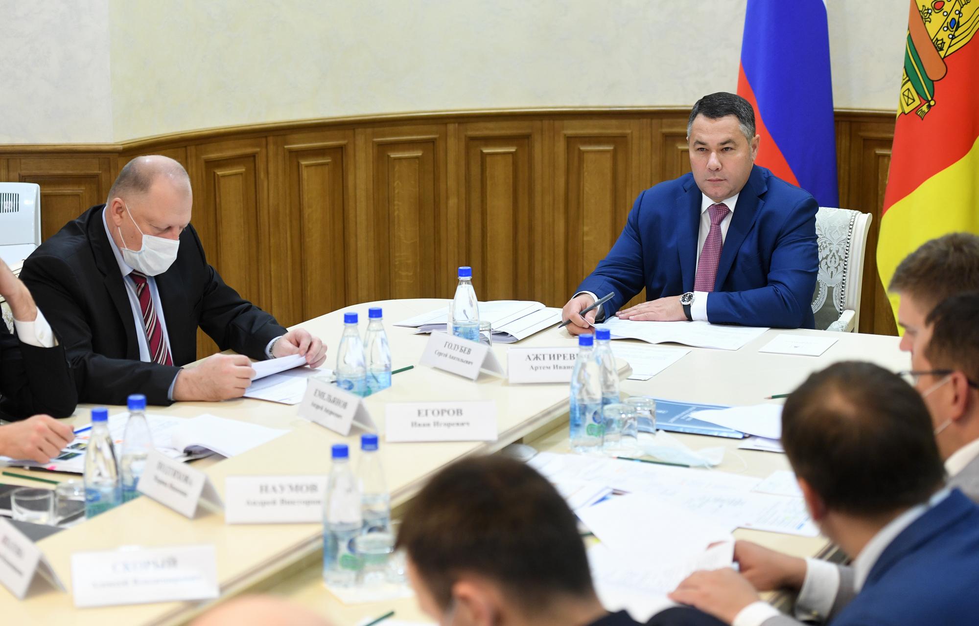 В Тверской области медики, работающие с больными COVID-19, продолжают получать выплаты