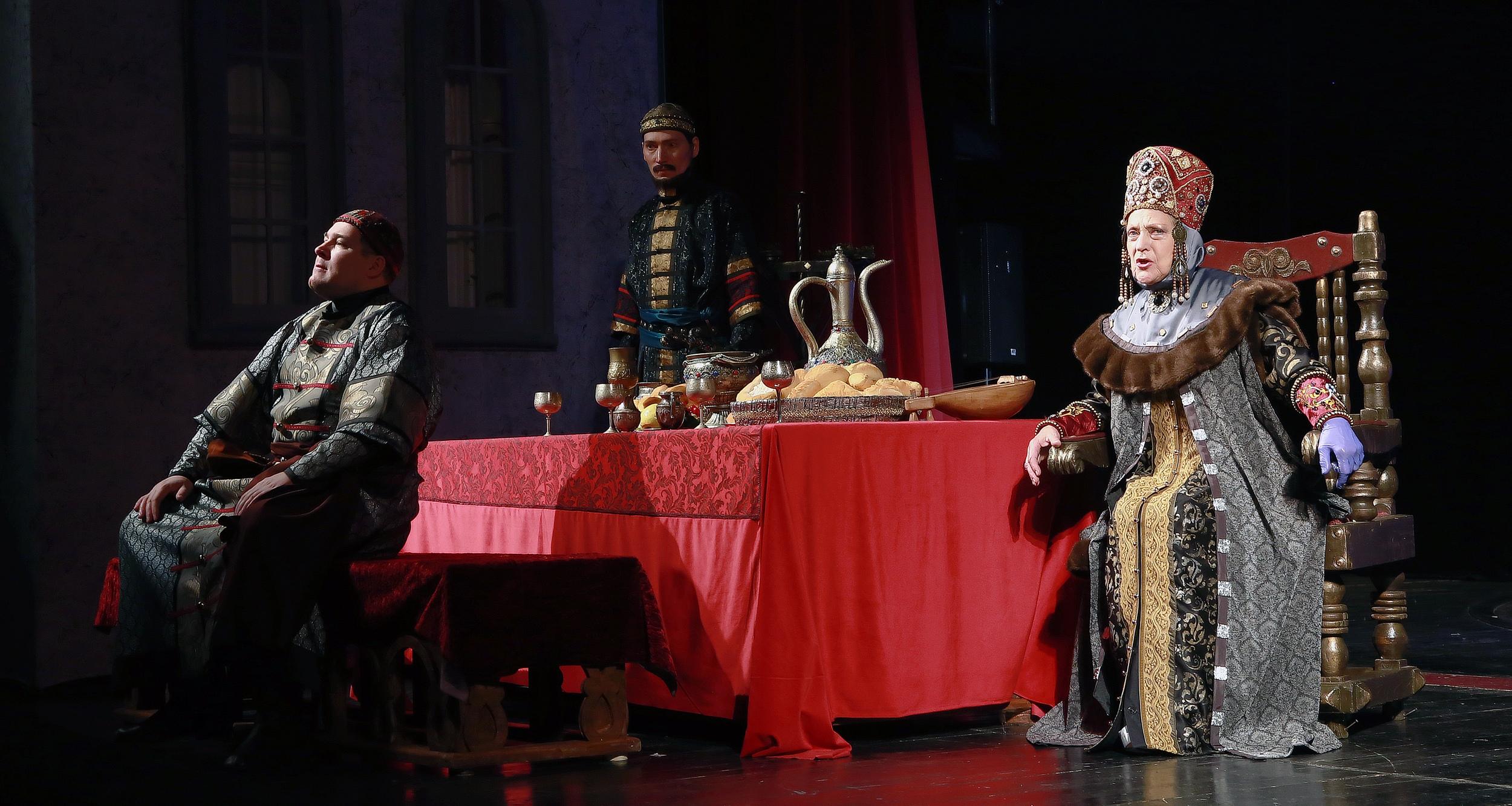 """Скоро премьера: фото с репетиции исторического спектакля """"Невольники"""" в Твери"""