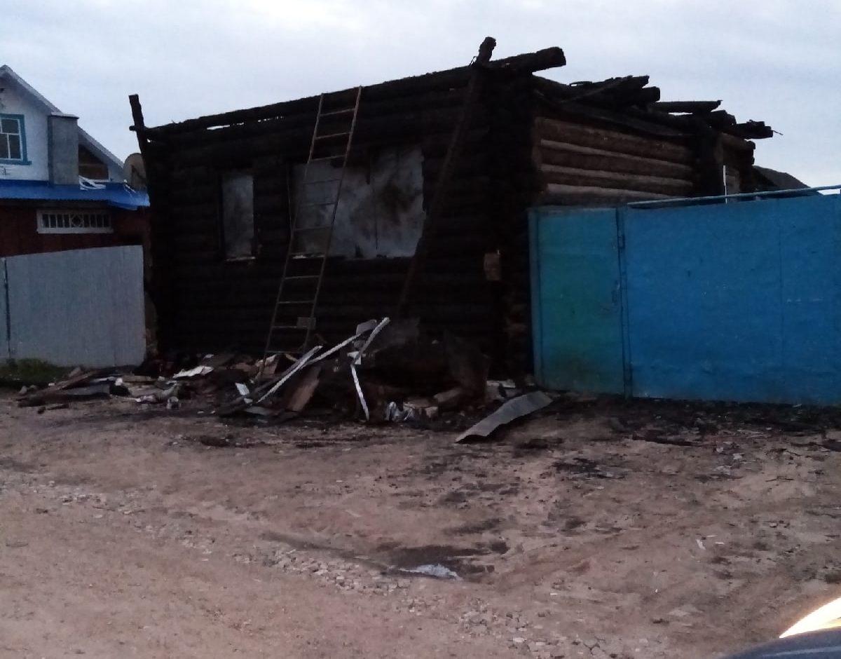 В районе Тверской области сгорел дом по неизвестной причине