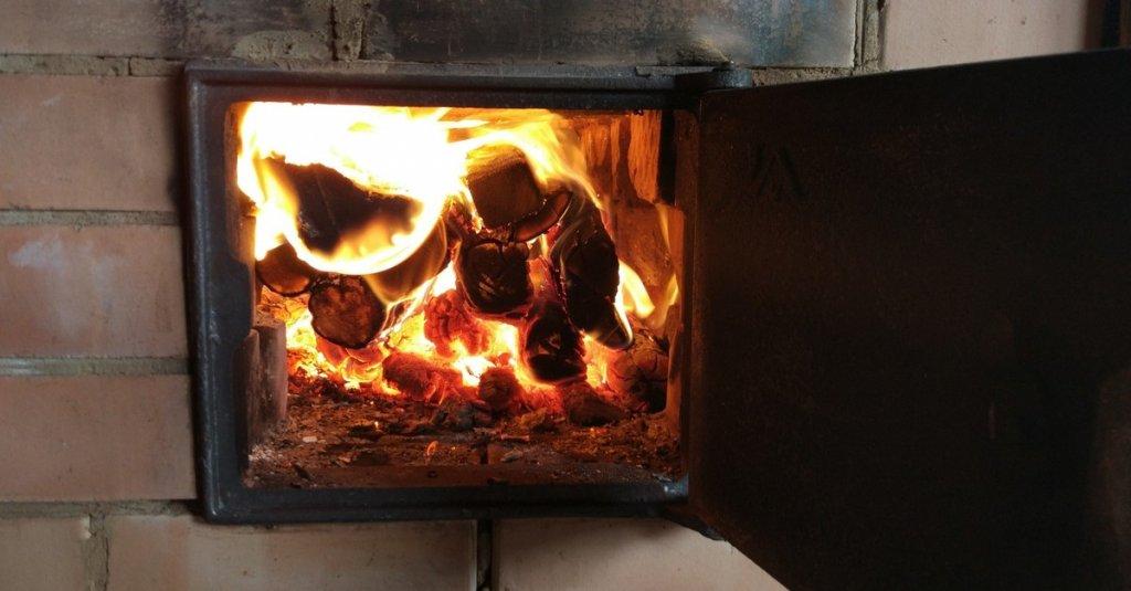 Интересный ролик про печное отопление: как жить с печкой и не сгореть