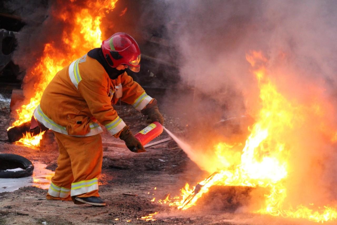 Месяц пожарной безопасности проводят тверские спасатели