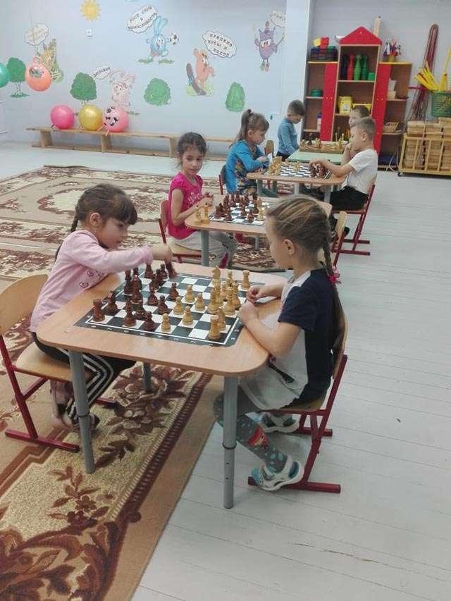 В Западнодвинском районе в честь Дня герба и флага прошли соревнования по шахматам
