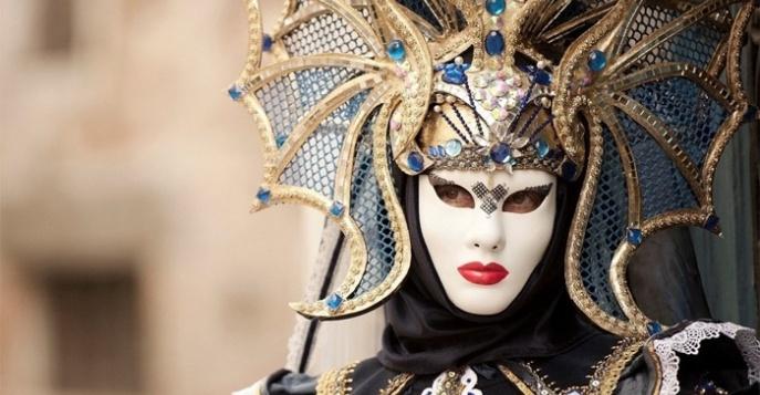 Жители и гости Твери смогут окунуться в атмосферу Венецианского карнавала на новой выставке