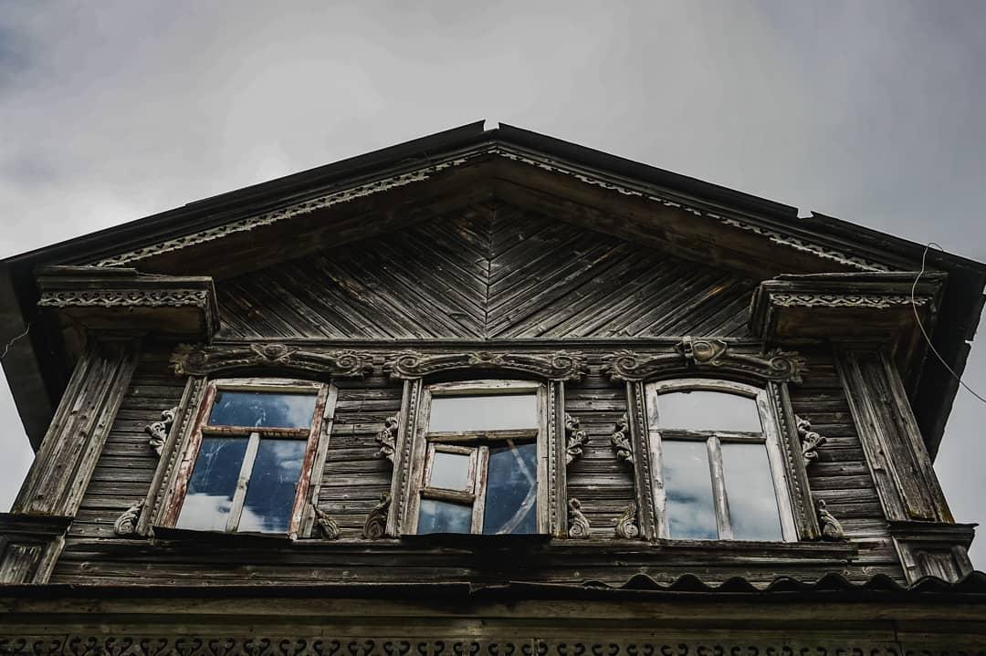 Фотограф из Москвы поделилась снимками уникального дома в Тверской области