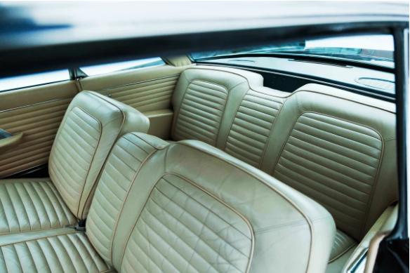 Тверичанам предлагают приобрести роскошный ретро-автомобиль