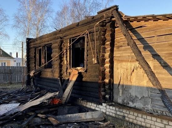 В Твери из-за пожара пожилая пара лишилась жилья