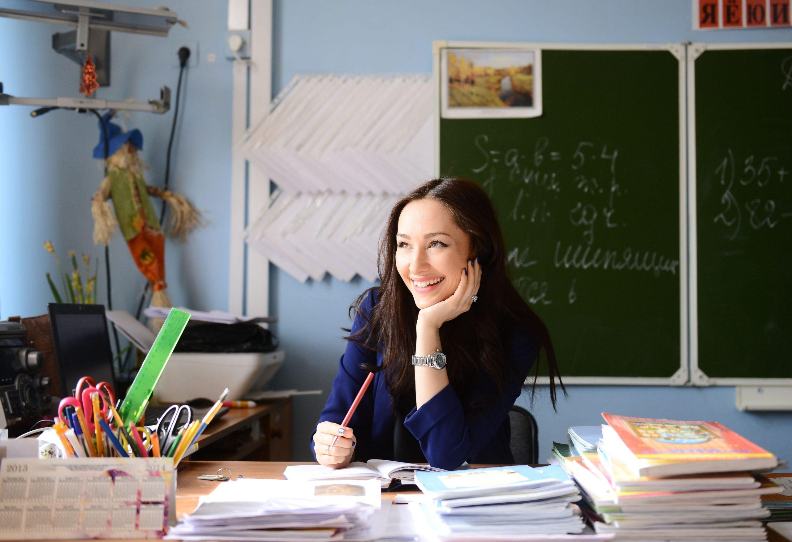 В Тверской области на обеспечение зарплат педагогам направят дополнительные средства
