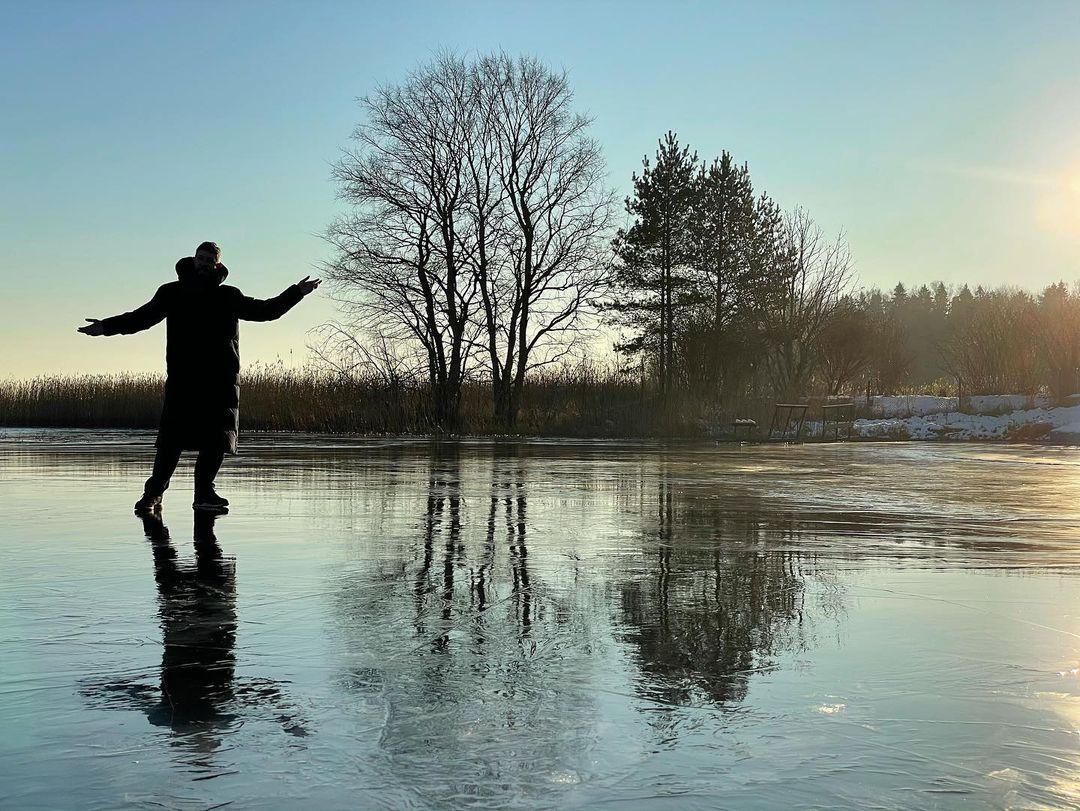 В Тверской области Артемий Лебедев ходит по тонкому льду
