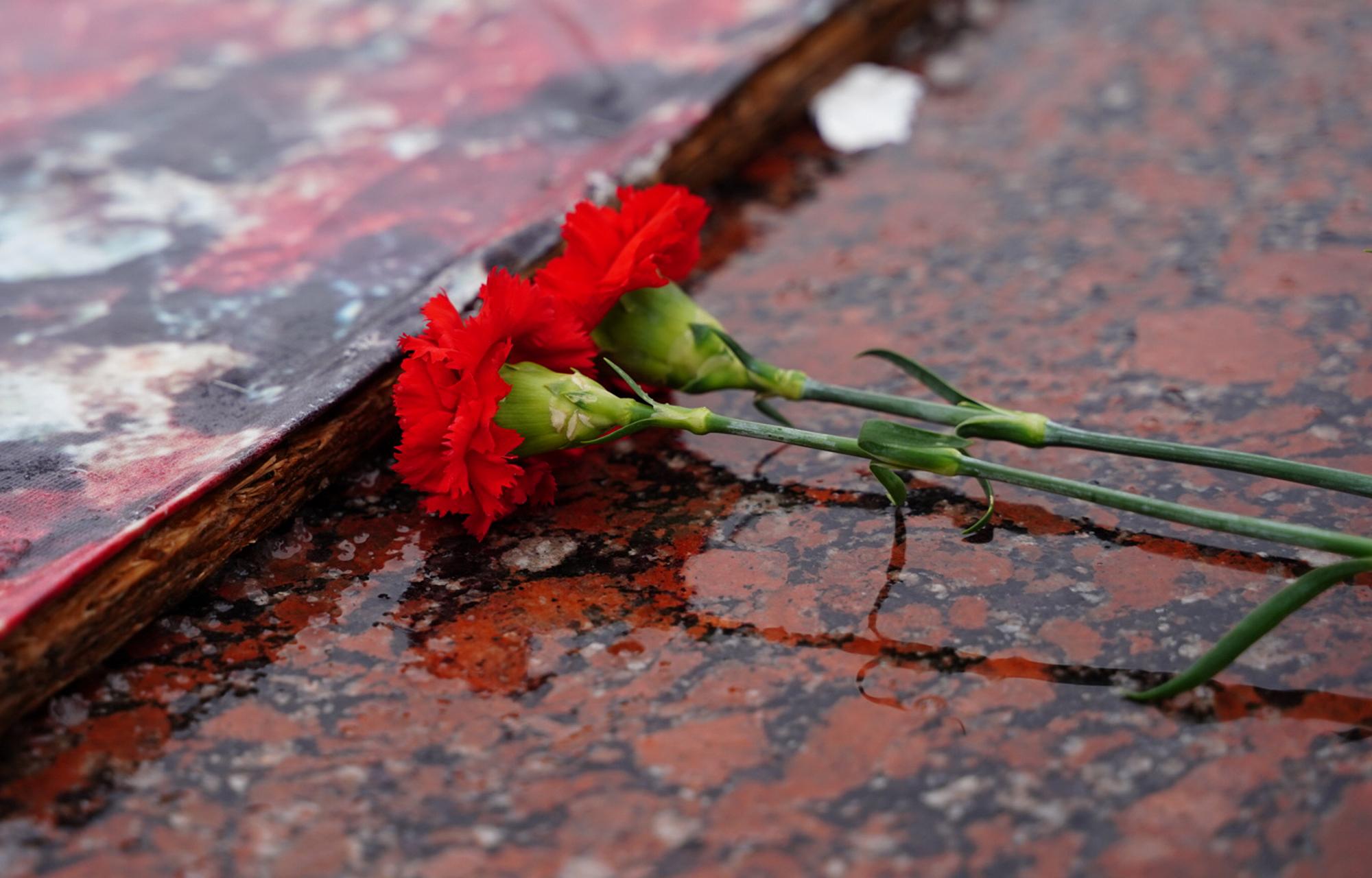 В памятную дату возложили цветы к стеле «Город воинской славы» в Твери