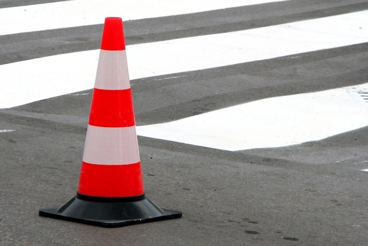 В Твери женщина попала под колеса машины на пешеходном переходе