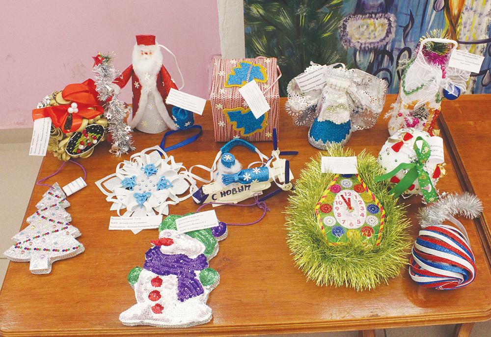 В Жарковском районе подвели итоги конкурса новогодних игрушек