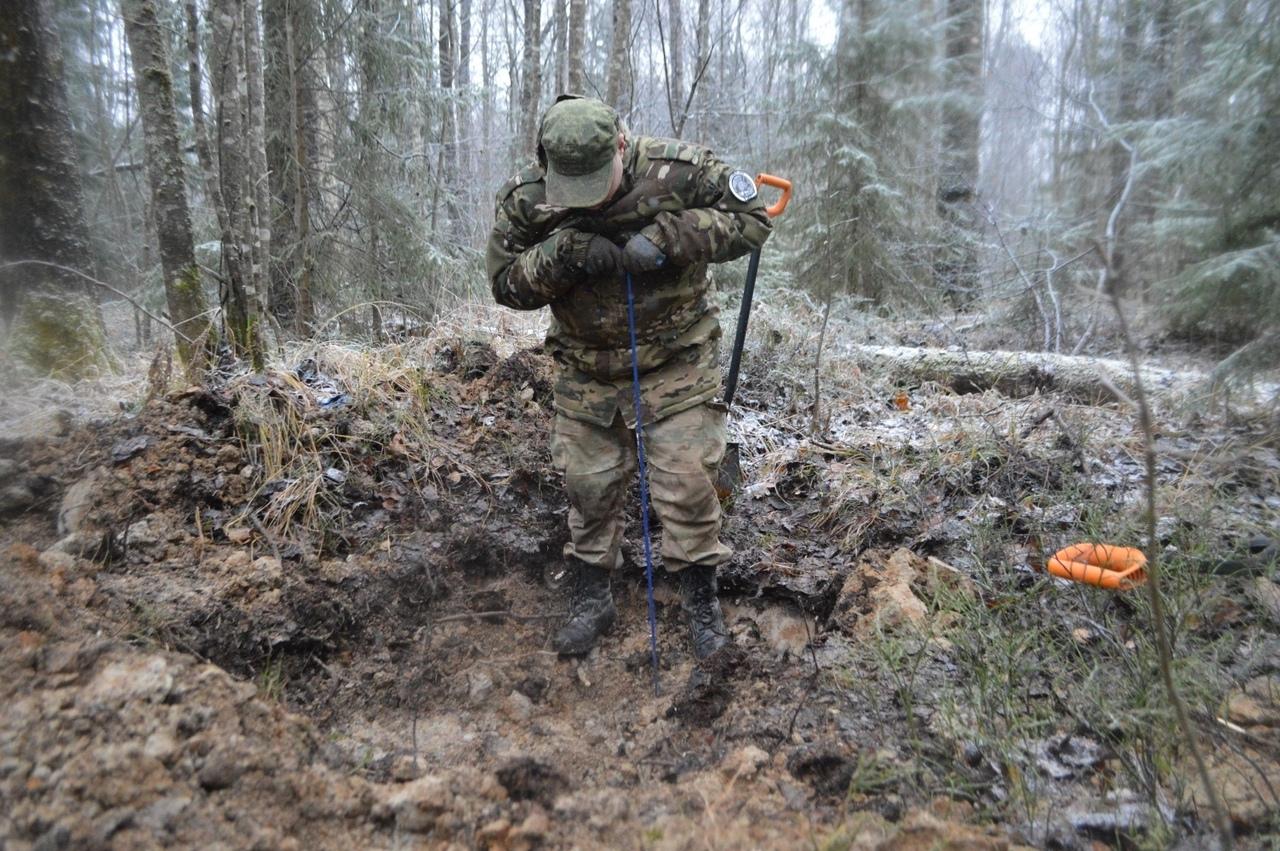 В Тверской области поисковики нашли потерянную 78 лет назад солдатскую ложку