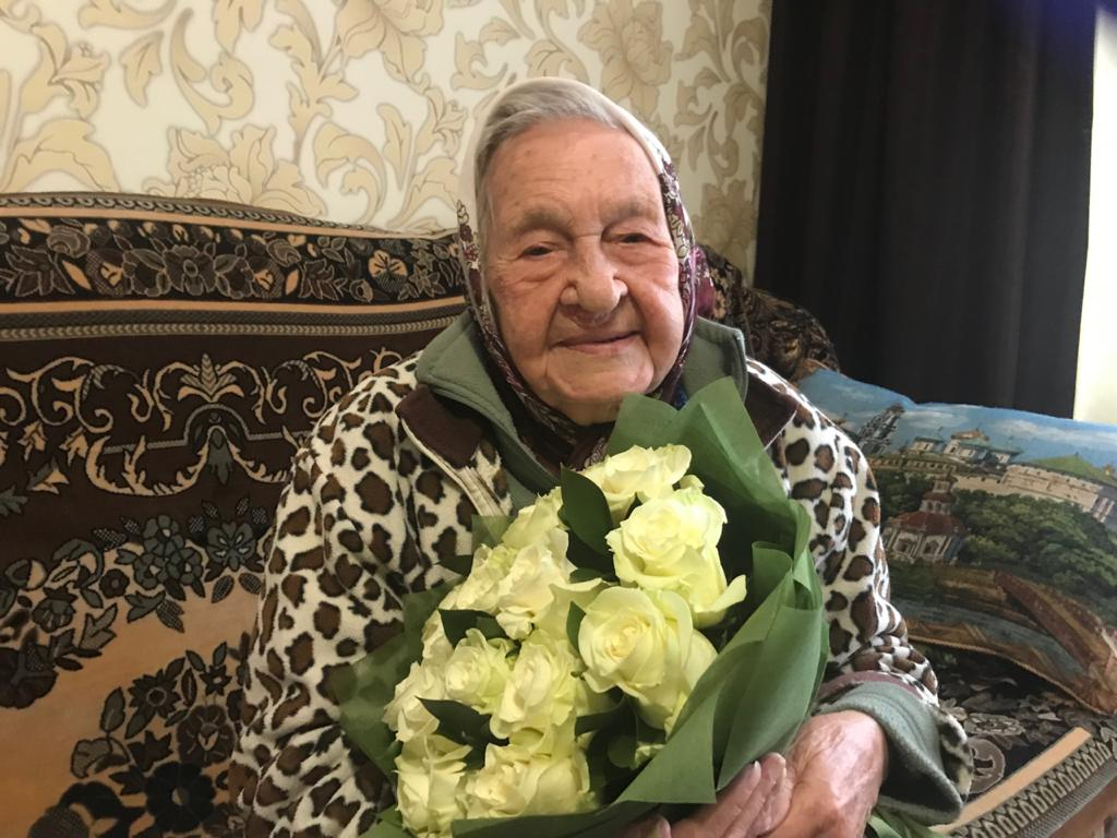 Игорь Руденя поздравил жительницу Твери со 100-летним юбилеем