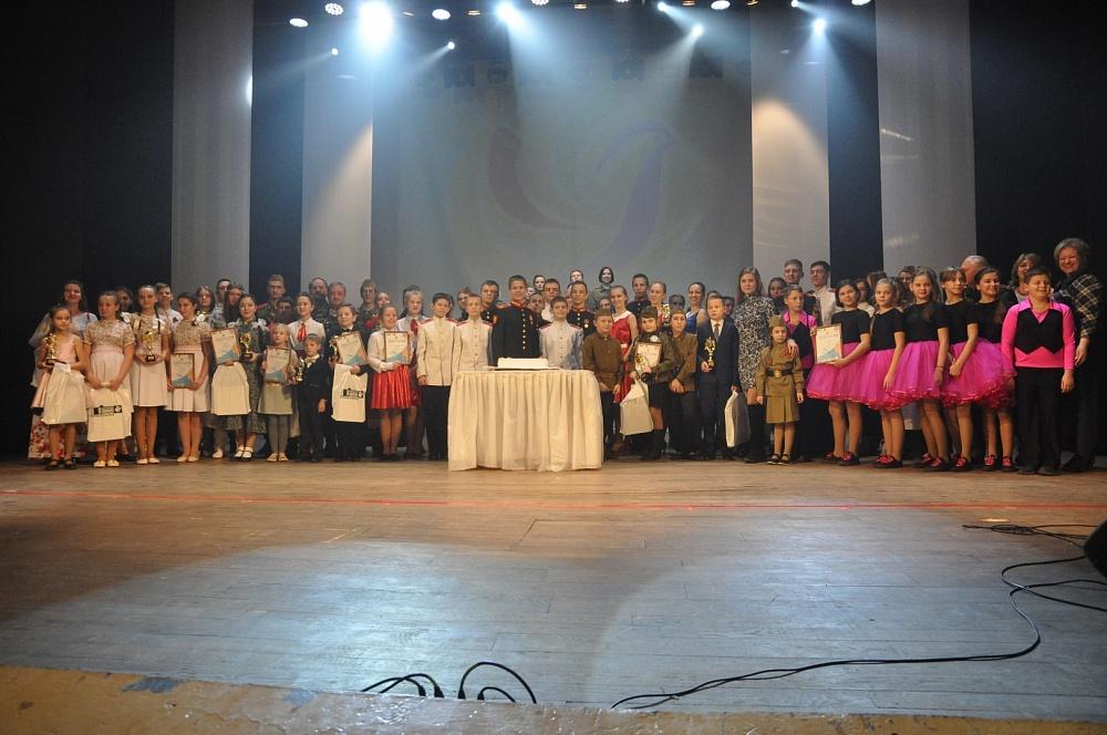 Калязинские вокалисты приняли участие в гала-концерте фестиваля «Отечество»