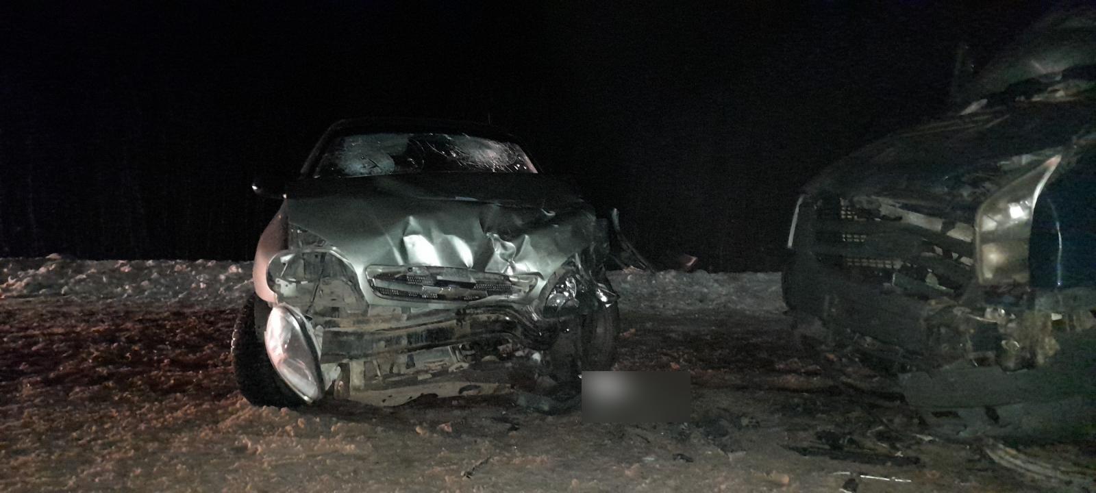 Лобовое столкновение двух авто произошло в районе Тверской области