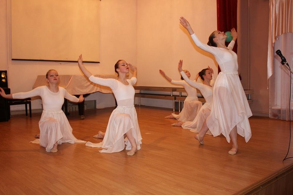Юные бологовцы блеснули талантами на конкурсе «Ретро-фестиваль-2020»