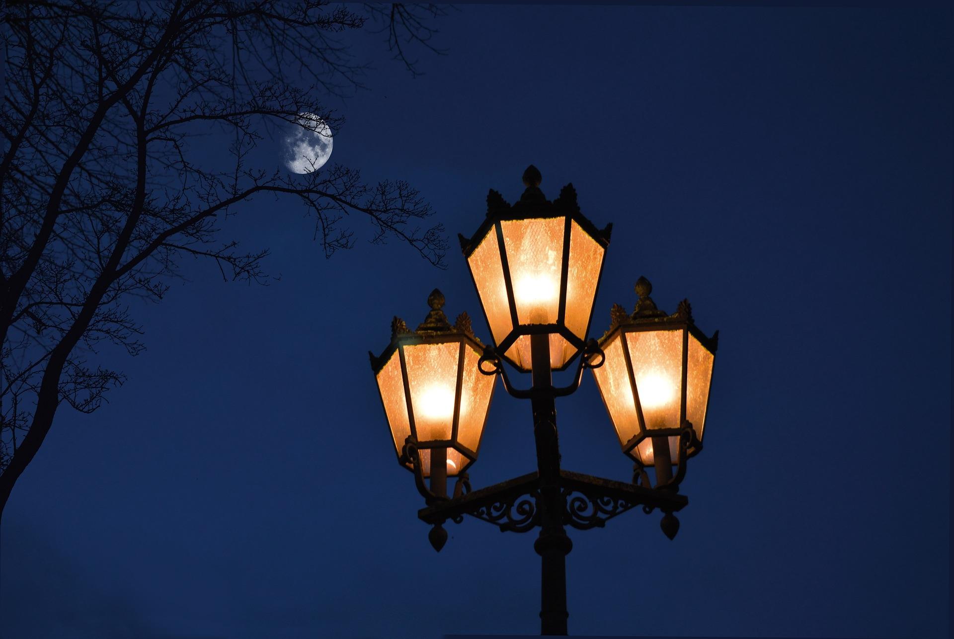 В Нелидово продлили часы уличного освещения