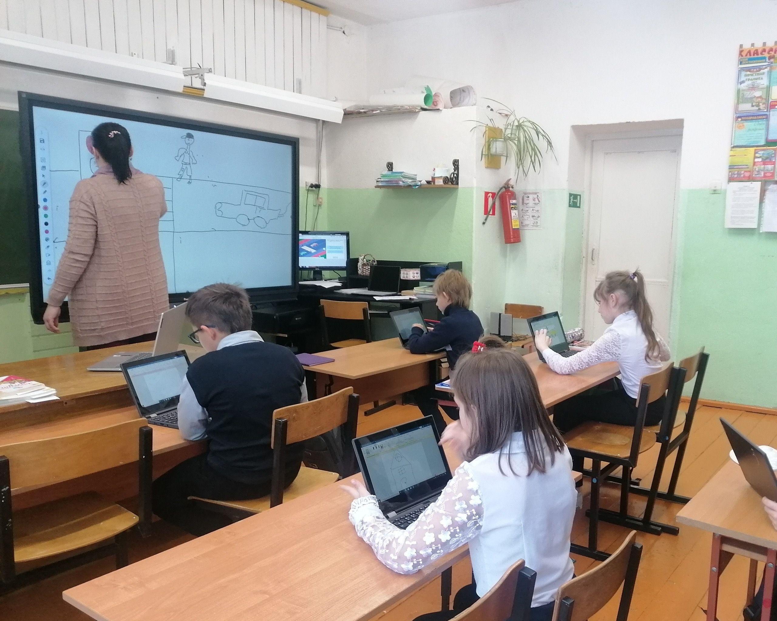 В сельские школы Торопецкого района поступило новое цифровое оборудование