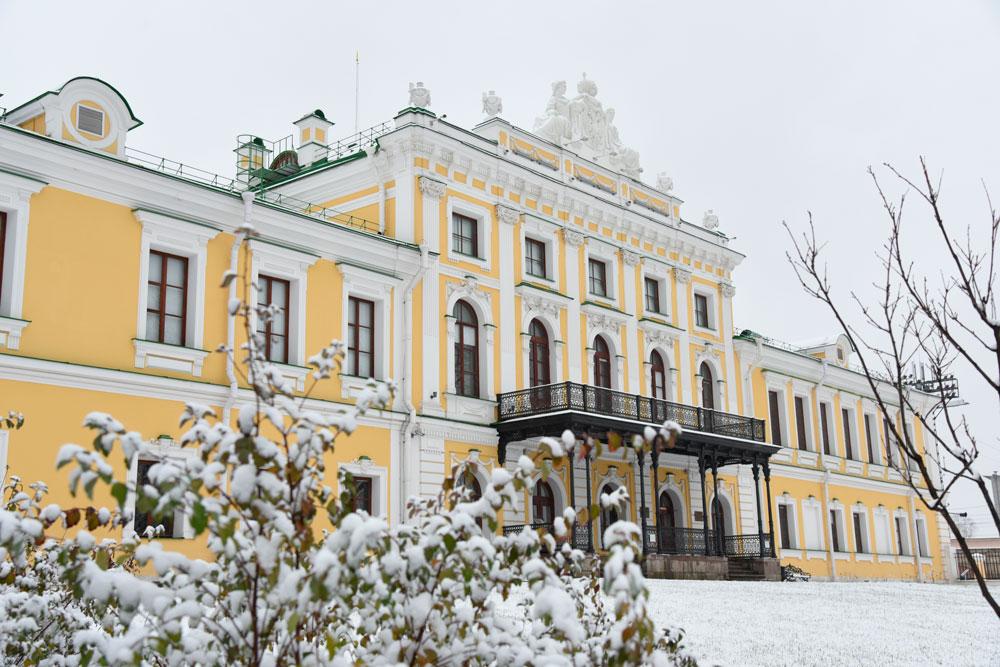 Появились фото Тверского Дворцового сада, укрытого снегом