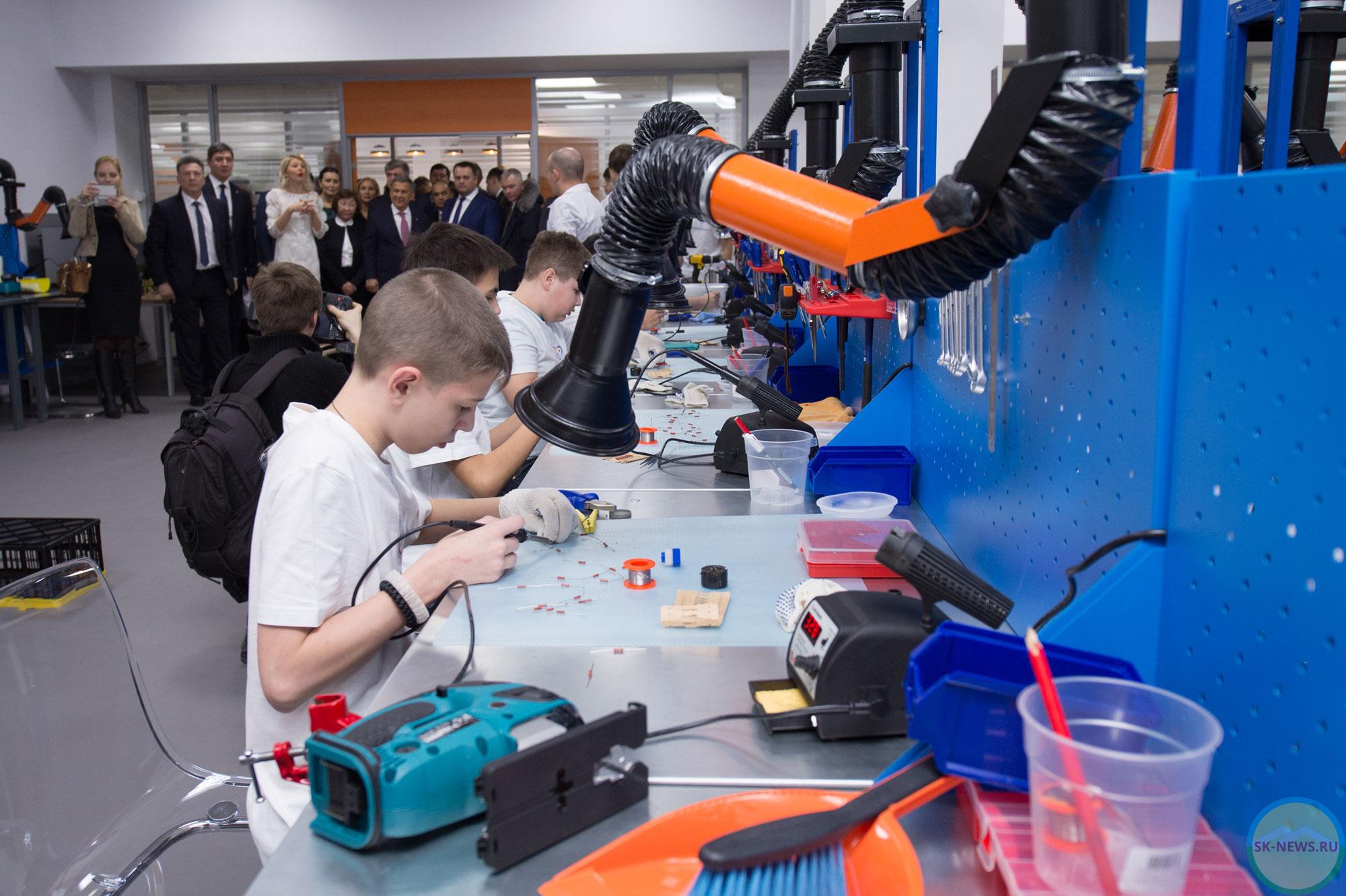 """Школьники со всего региона посещают технопарк """"Кванториум"""""""