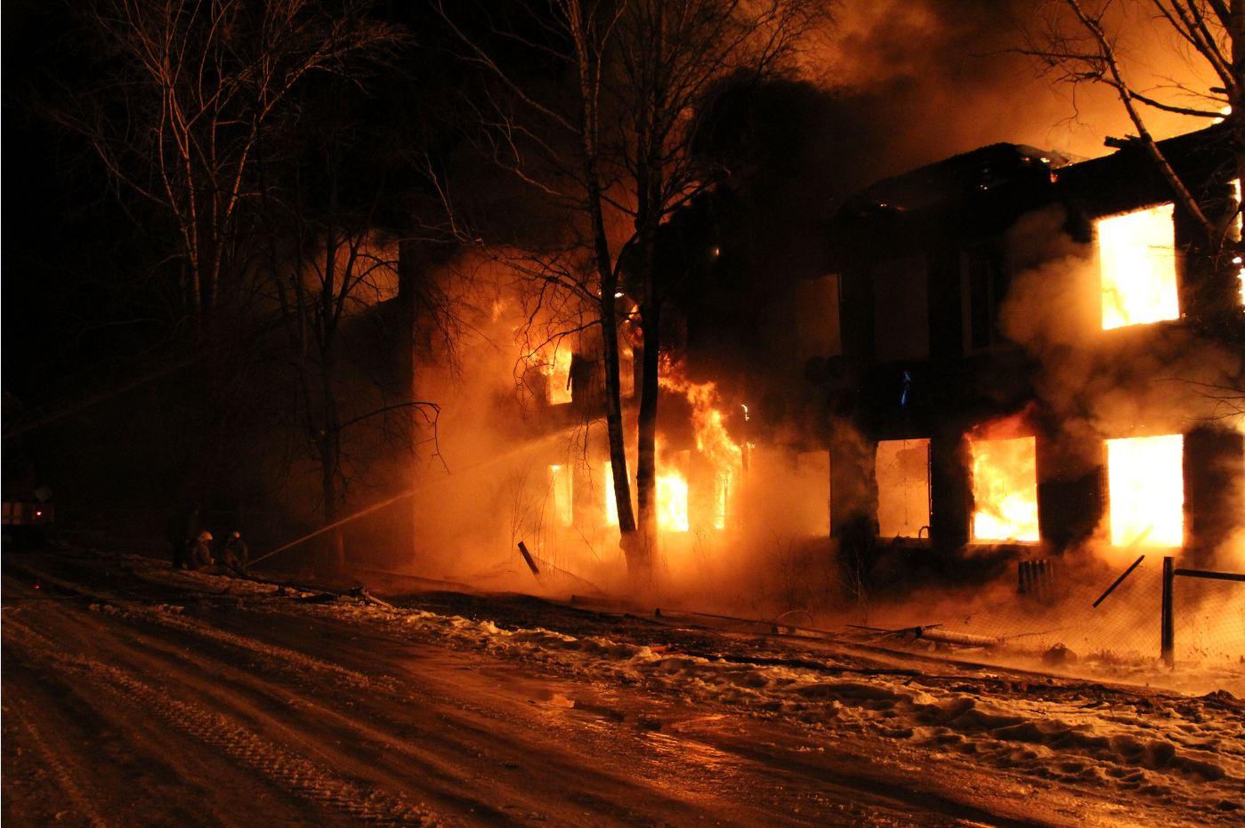 Страшный пожар в Тверской области унес жизни трех человек, в том числе ребенка