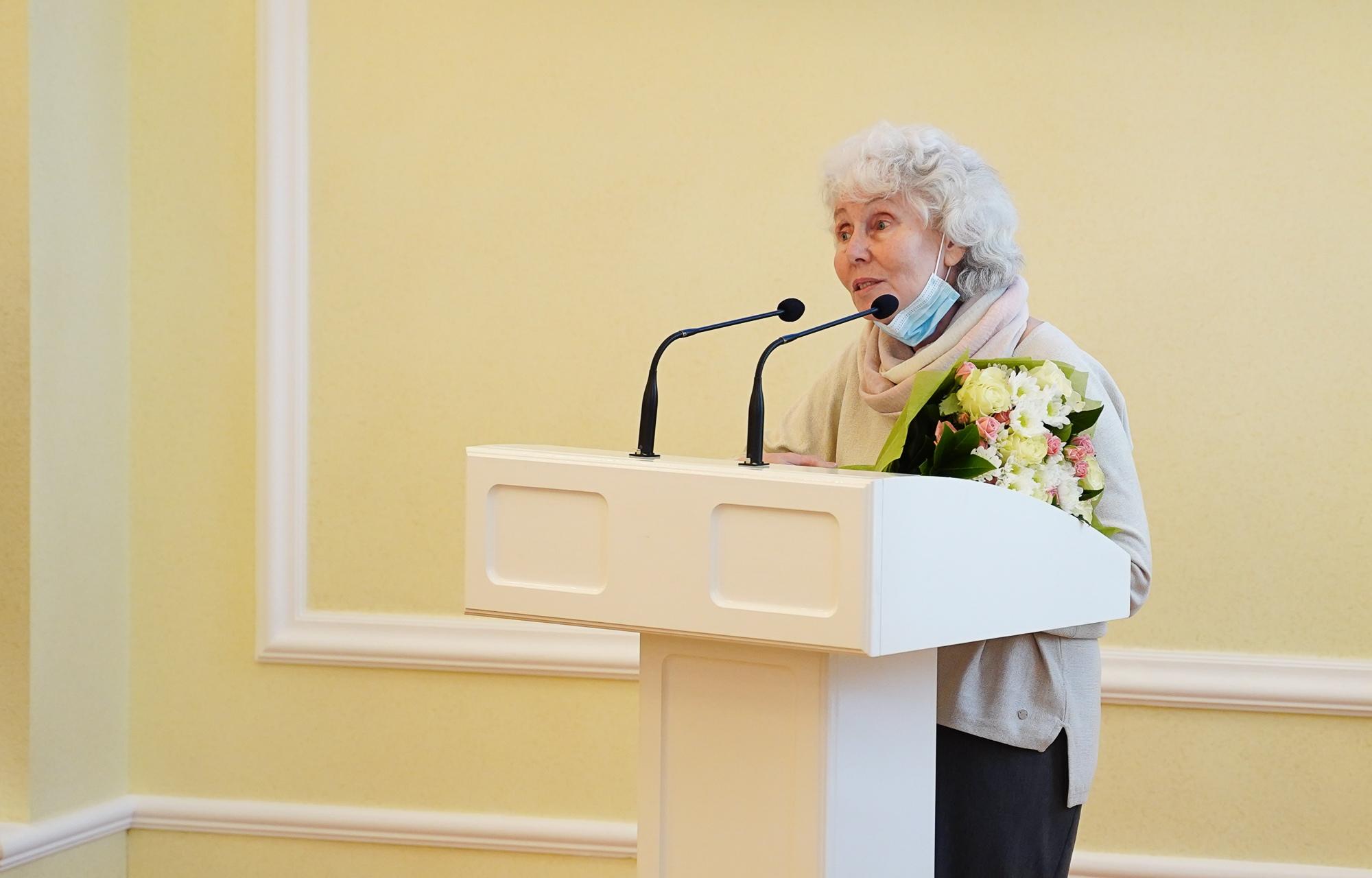 Кира Антонова стала первым Почётным журналистом Тверской области