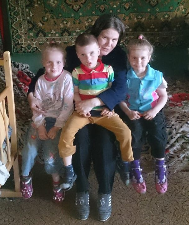 Телятница из Тверской области собирается привить от коронавируса всю семью
