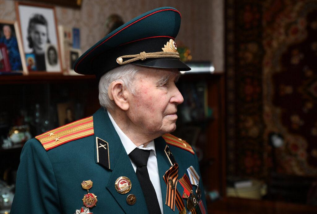 Игорь Руденя поздравил с юбилеем участника Великой Отечественной войны Ивана Михайловича Овинникова