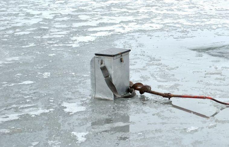 В центре Твери спасли провалившегося под лед рыбака