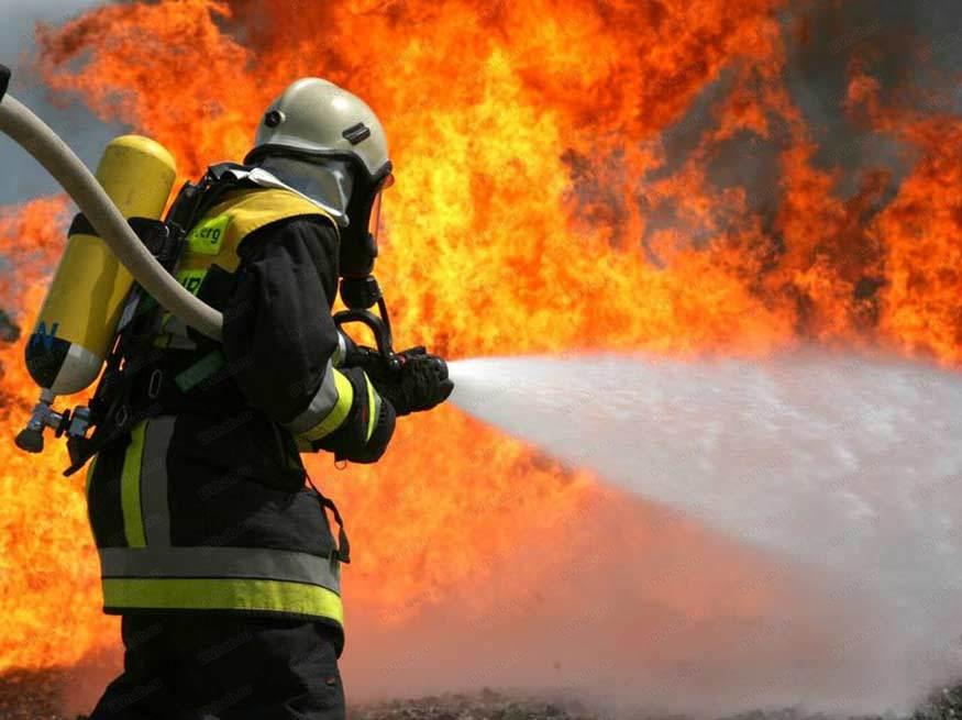 На заводе в Тверской области сгорел бункер